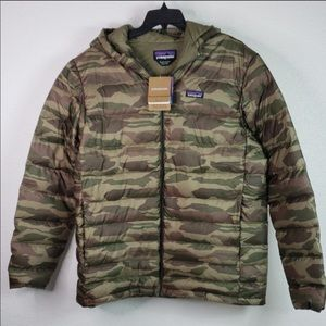 ISO Patagonia men's camo down puffer jacket XL